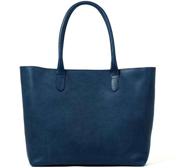 kick-agency_linjer_torebki_leather-tote-bright-navy-vegetable-tanned-hero_grande